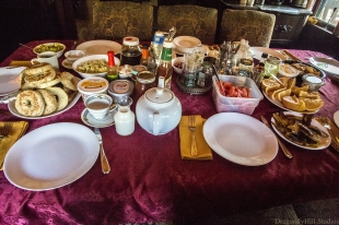 breakfasttable0227low