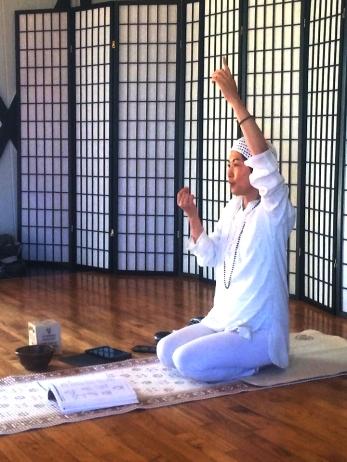 Misaku Lauritzen, Yogi, teaching yoga